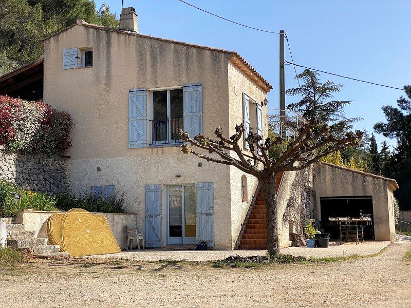 Maison-Villa - CUGES LES PINS